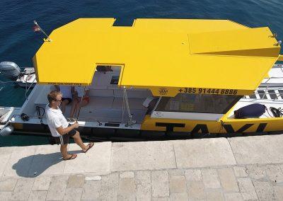 Easy embarking and disembarking